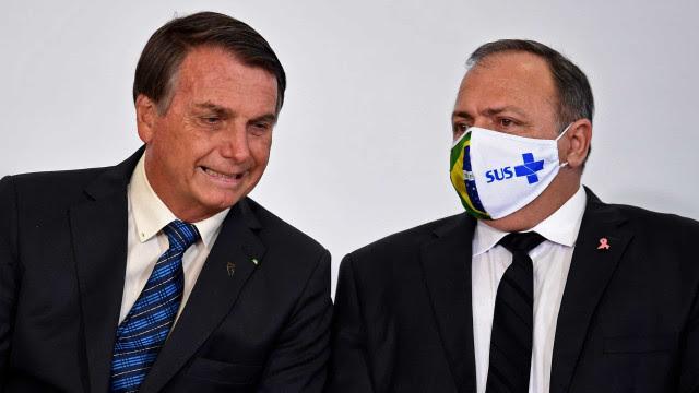 Bolsonaro elogia Pazuello e Ernesto por acordo da Fiocruz com a AstraZeneca
