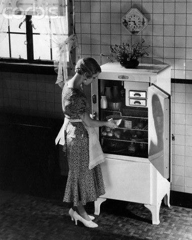 1920's                                                          Refrigerato                                                          r: