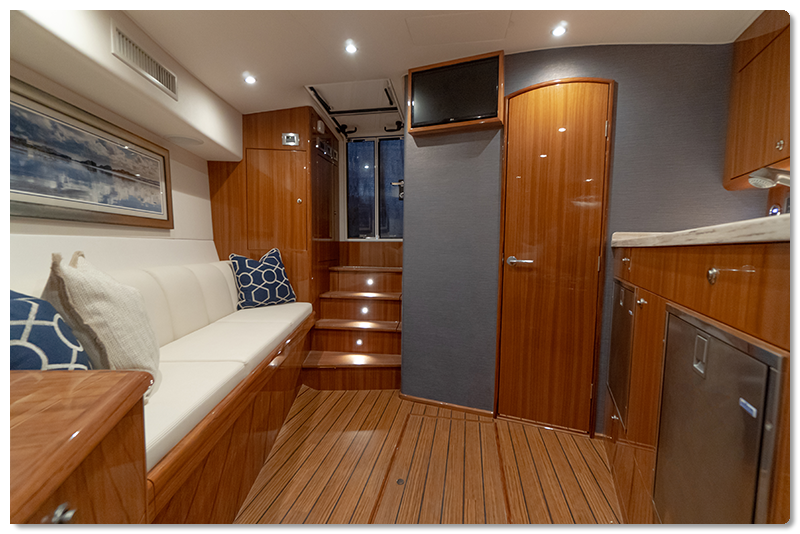 Viking 38 interior