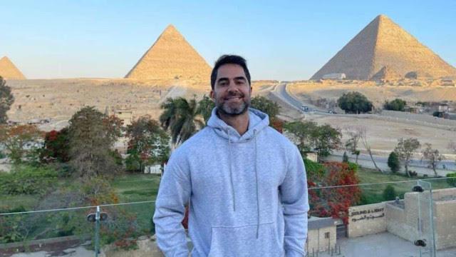 Família de médico preso no Egito divulga carta com pedido de desculpas