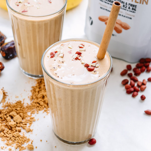 HOW TO MAKE THE BEST VEGAN PROTEIN SHAKE EVER!