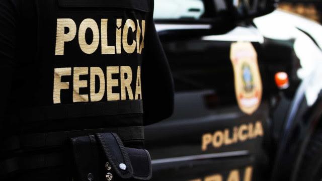 PF faz operação contra cartel no transporte de veículos novos