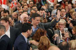 Pedro Sánchez evita meter en campaña los pactos mientras 'pesca' votos de Podemos y Ciudadanos
