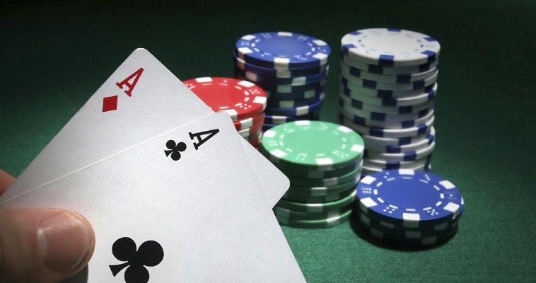 Σκληρό πόκερ για το ελληνικό χρέος