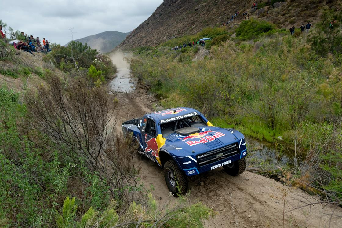 Andy McMillin blasts his way into record books with Baja 500 win