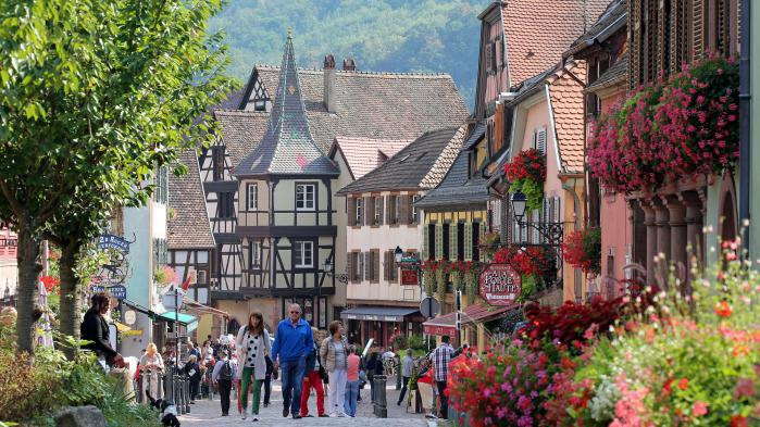 VIDEO. Kaysersberg, dans le Haut-Rhin, élu village préféré des Français en 2017