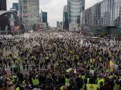 La policía prohibió a los activistas realizar manifestaciones en importantes lugares como los Campos Elíseos, la Asamblea Nacional y el Palacio del Elíseo en París.