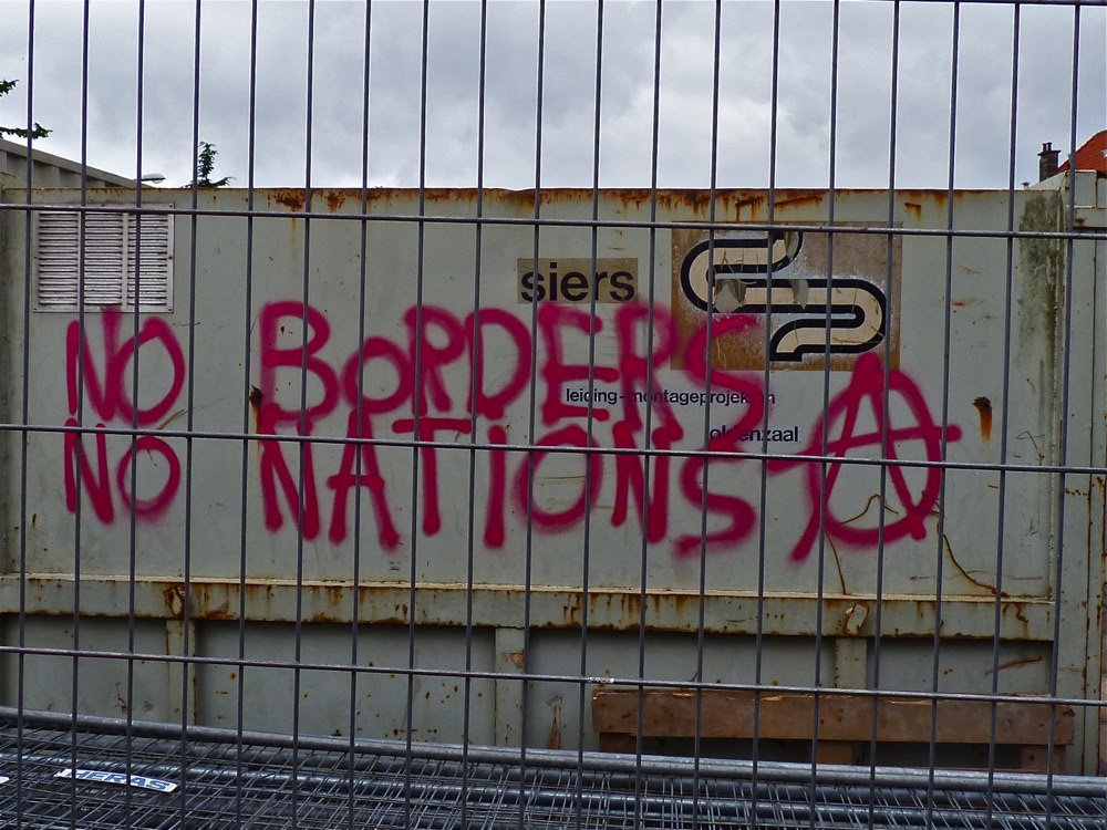 No Borders grafitti