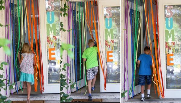 Ribbon curtain 2