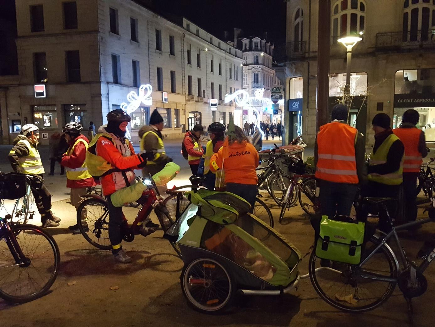 Osons le vélo la nuit 2019 @ Place de la Brèche, Niort