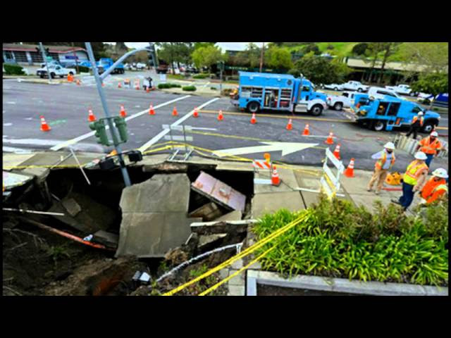 California: Sinkhole Swallows Light Pole, Ruptures Gas Line In Moraga  Sddefault