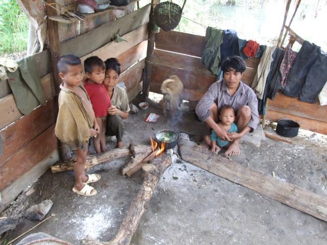 ngheo-doi-tai Vietnam