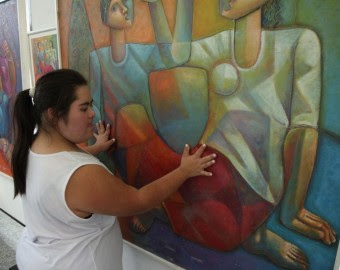 O visitante poderá tatear as telas e perceber as figuras e as cores de acordo com as variadas texturas produzidas para este conjunto.
