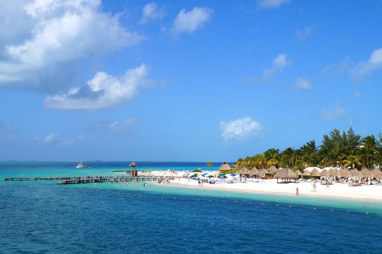 Isla Mujeres, Meksika görünümünden su.