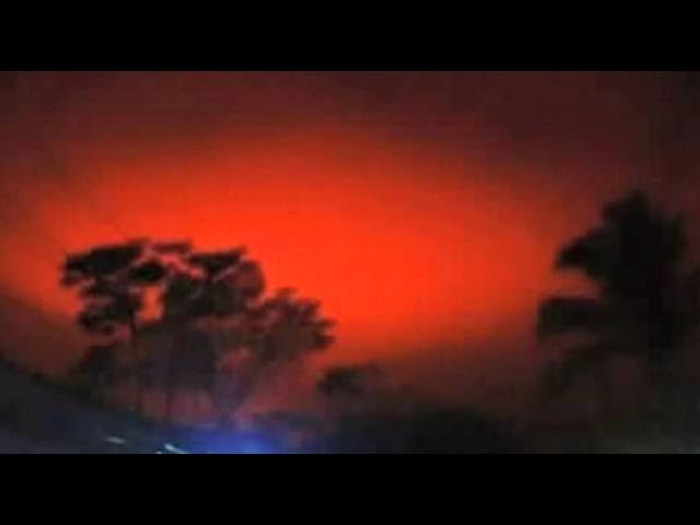 'Huge Fireball' Turns Sky Blood Red  Sddefault