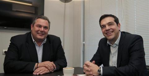El líder de los Griegos Independientes y ministro de Defensa, Panos Kammenos, y el primer ministro griego, Alexis Tsipras./ EUROPA PRESS