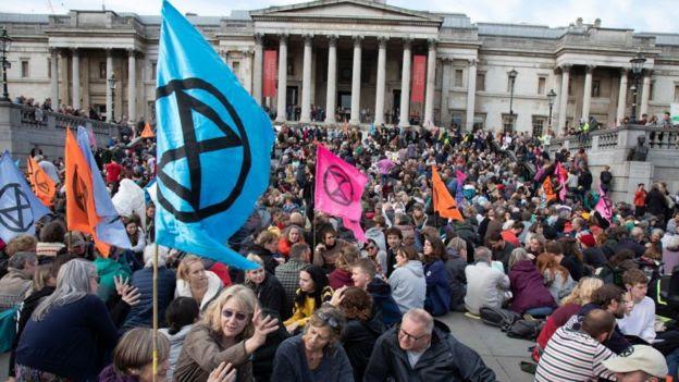 Protesto do Extinction Rebellion em praça de Londres em outubro deste ano