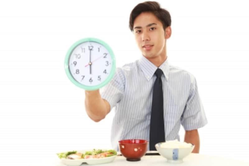 ダイエットの食事回数や時間はなにが正解?