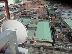 Ubiquiti NanoBridge M5-22 provides connectivity to Save the Children's headquarters in Tacloban