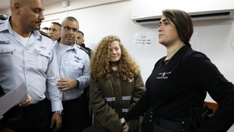 Ahed Tamimi permanecerá en la cárcel durante el juicio