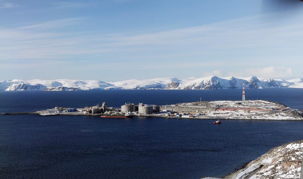 Equinor Credit_-_Harald_Pettersen__-_Hammerfest_LNG_plant_at_Melkøya_-_1203821_small.jpg