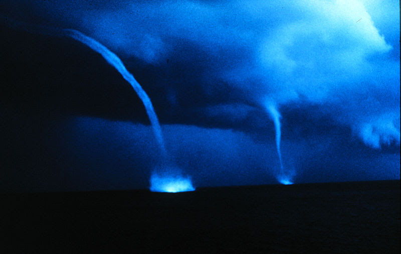 File:Waterspout noaa00307.jpg