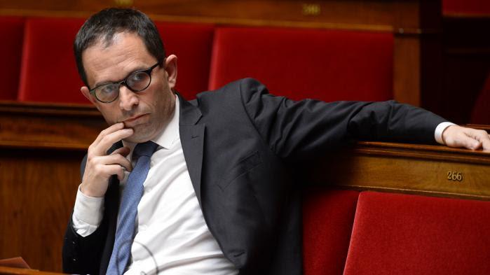 """VIDEO. Valls a """"beaucoup contribué à diviser le pays, notamment sur la question de l'islam"""", tance Hamon"""