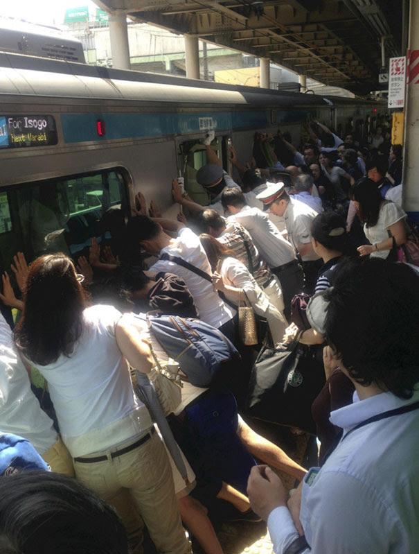 https://static.boredpanda.com/blog/wp-content/uploads/2018/05/reasons-why-japan-is-awesome-interesting-facts-11-5b05125087c15__605.jpg