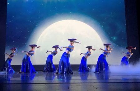 一整天,几场中华传统精彩节目演出。