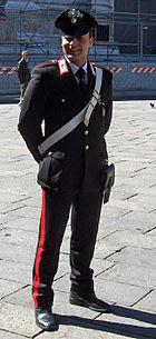 Carabiniere_a_Bologna_(April_2006)