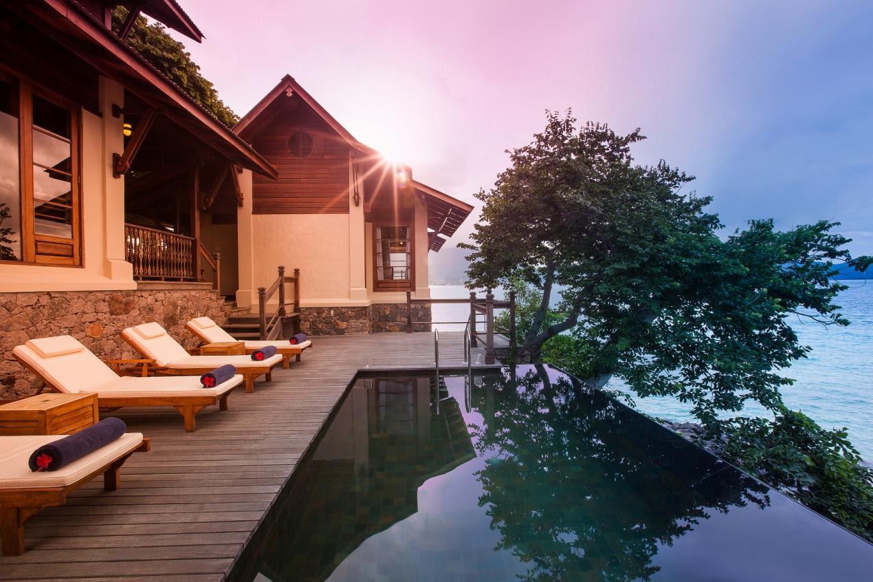 Enchanted Island Resort - Pool Deck, Villa Flanbwayan