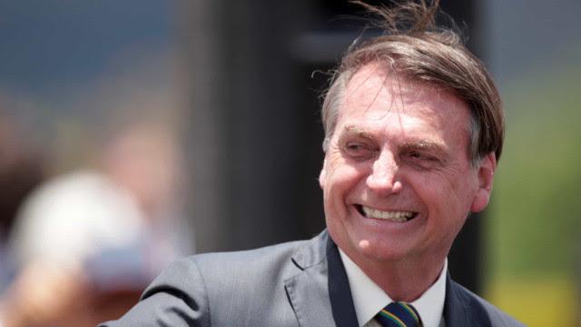 Bolsonaro passa aniversário com filhos no Palácio do Alvorada