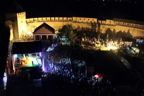 Історичне арт-шоу Ніч в Луцькому замку