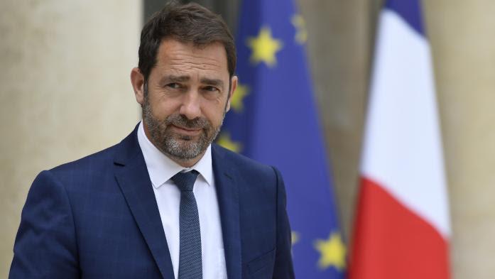"""VIDEO. """"L'essentiel"""" des baisses d'impôts entrera """"en vigueur dès 2018 et 2019"""", annonce Christophe Castaner"""