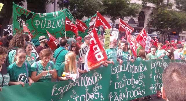 Concentración de la marea verde por una Educación pública y en rechazo a la LOMCE y al cierre de centros.