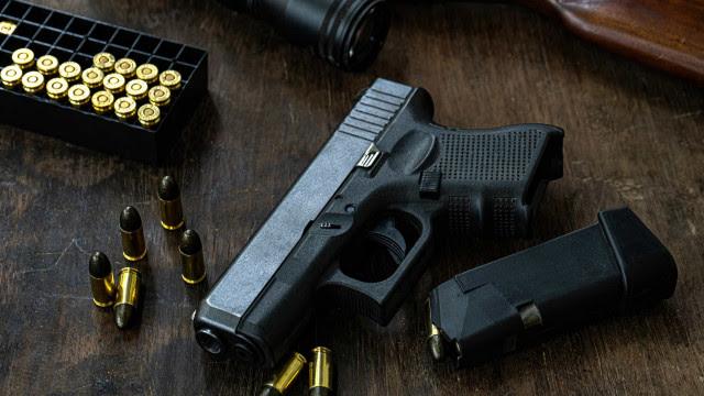 Importação brasileira de revólver e pistola tem alta de 94% e bate recorde em 2020