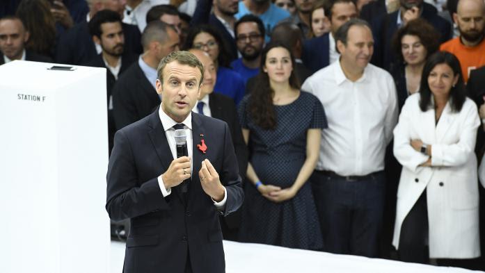 """VIDEO. """"Vous croisez des gens qui réussissent et d'autres qui ne sont rien"""" : la phrase de Macron qui fait polémique"""