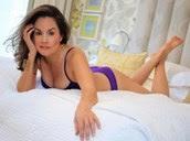 """Viúva dormiu com mais de cem homens casados e diz que """"salva relações"""""""