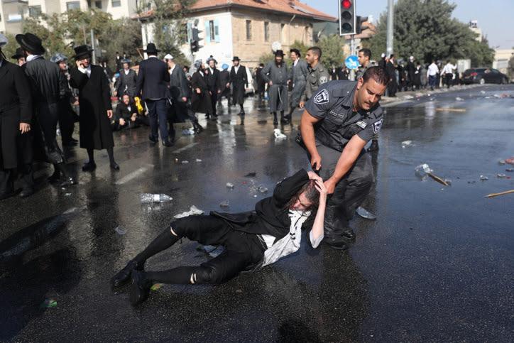 בילד: שטורעם אין מדינת ישראל צוליב פאליציי ברוטאליטעט קעגן חרד׳ישע פראטעסטירער