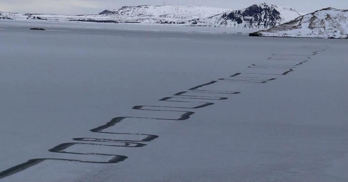 Misteriosos patrones en Zig-Zag aparecen en un lago de Islandia