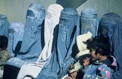 440px-Group_of_Women_Wearing_Burkas