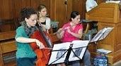 Musiciens au travail tract Estivales 2014 171 par 94