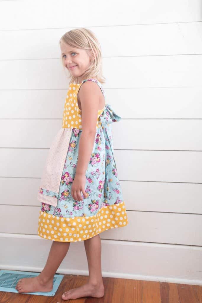 Easy girls dress sewing tutorial apron dress matilda jane style