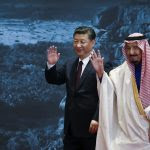 Le président chinois Xi Jinping et le Roi Salman bin Abdulaziz d'Arabie saoudite au China National Museum à Pékin, le 16 mai 2017. (Crédits : AFP PHOTO / POOL / Lintao Zhang)