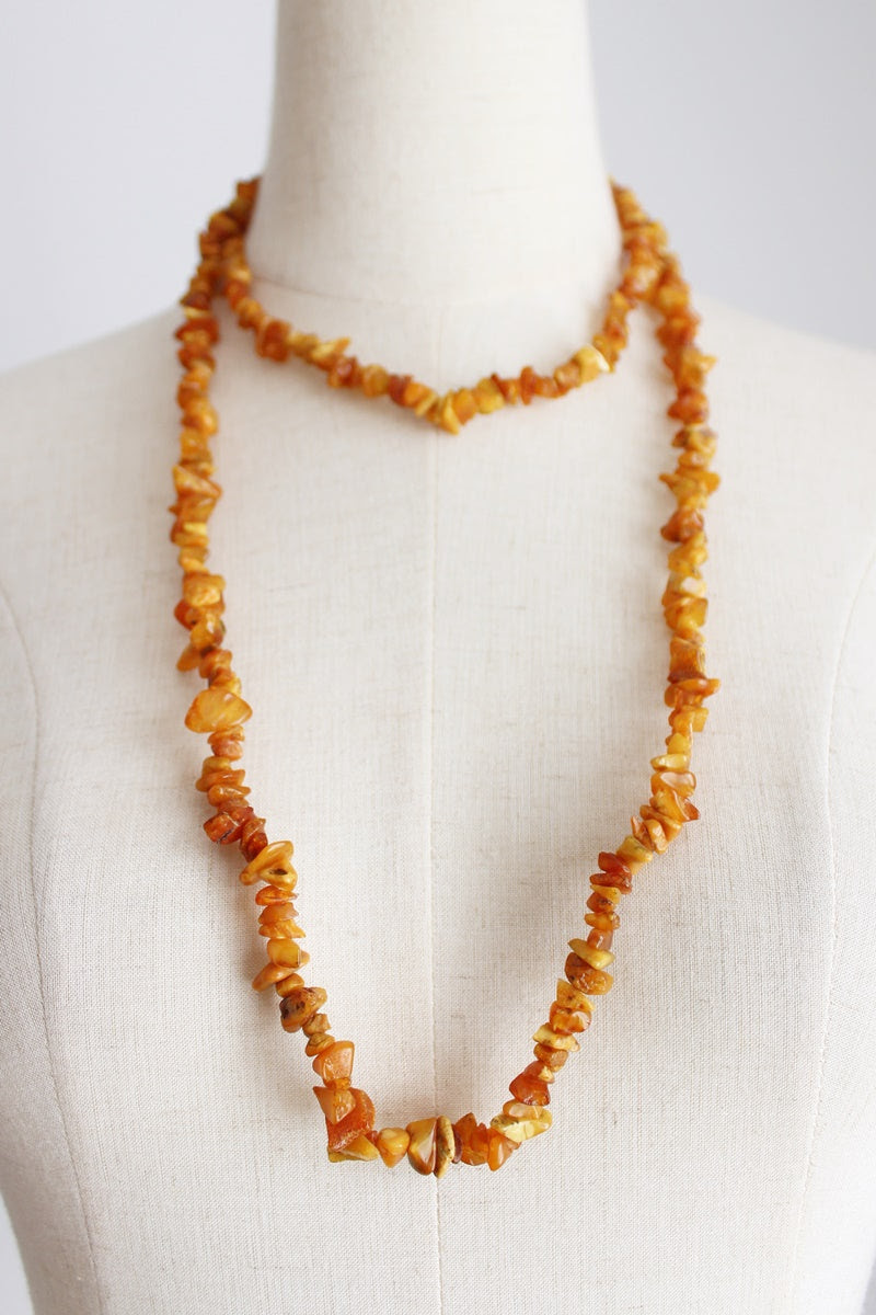 VINTAGE AMBER BEADED LONG NECKLACE