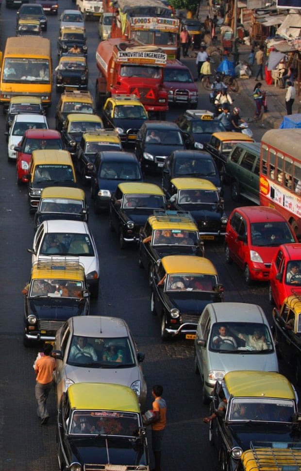 There are around 700,000 cars on the road Mumbai causing untold congestion, air and noise pollution. Their number has grown by 57% over the past eight years.