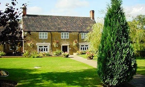1 or 2 Nights at 4* Inn with Breakfast in Somerset