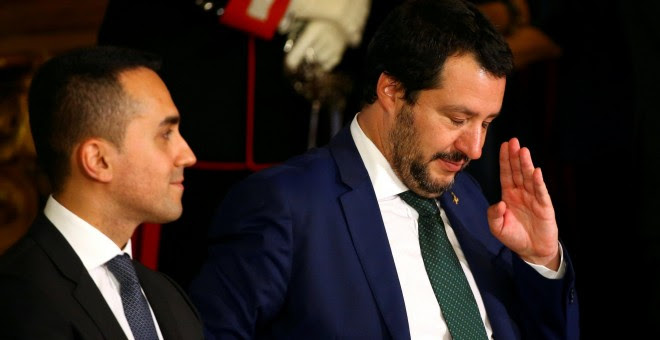 El ministro del Interior, Matteo Salvino, junto al ministro de Trabajo e Industria de Italia, Luigi Di Maio, en una imagen de archivo. / REUTERS - TONY GENTILE