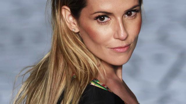 A beleza dos 40. Deborah Secco assume sardas e aparece sem maquiagem
