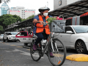 Una alternativa resulta el uso de la bicicleta como opción para desplazarse en lugar del coche.